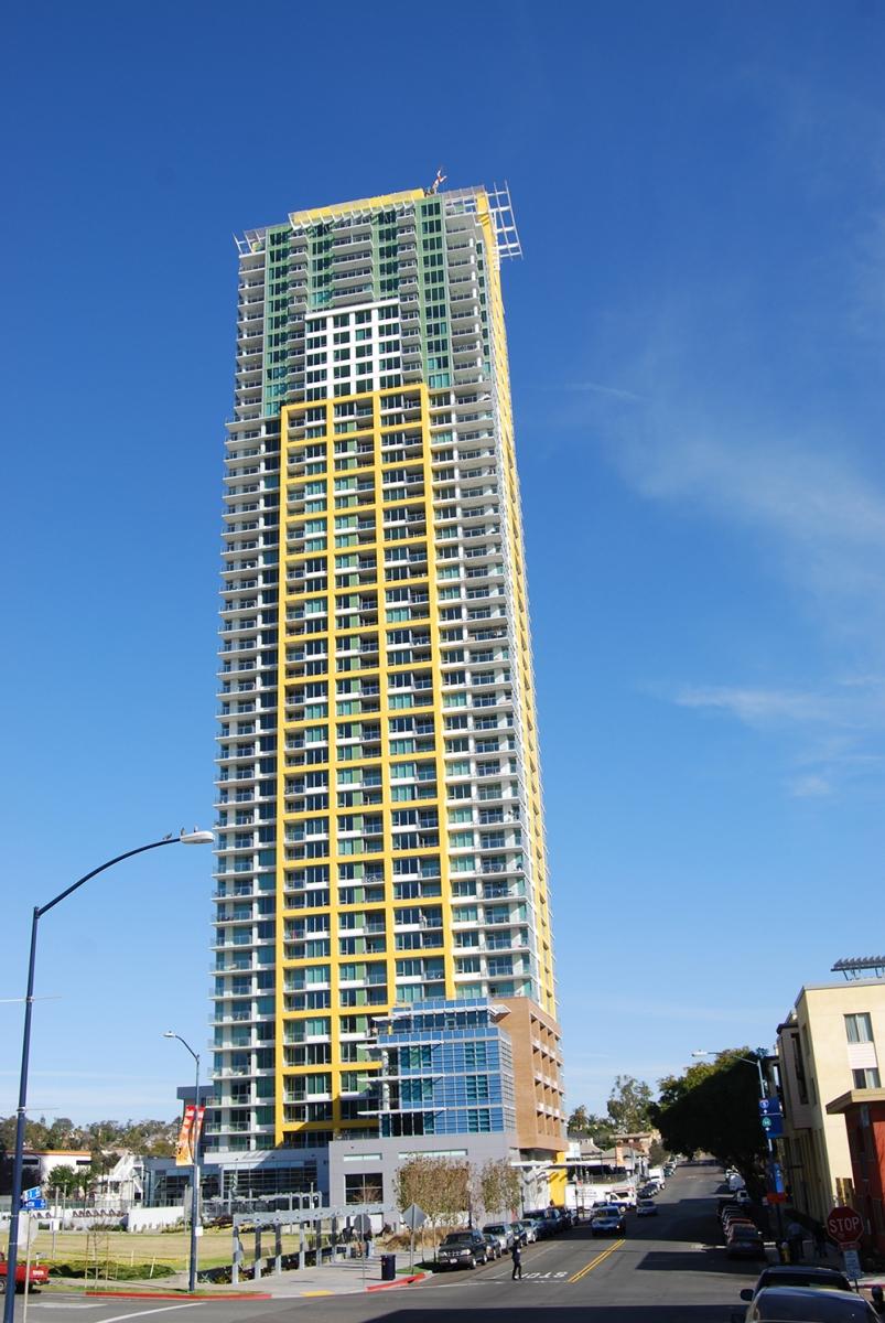 Pinnacle Bayview Towers (9)